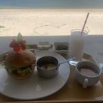 オン ザ ビーチ カフェ -