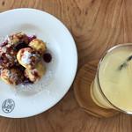 BON POINT CARDIN - フレンチトーストとリンゴジュース