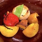 ピッツェリア ロマーナ ジャニコロ - インカのめざめ、パプリカ、スナップエンドウ、山芋の窯焼き