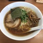 ななまる - 料理写真:中華そば 鶏ガラと魚介のダブルスープ
