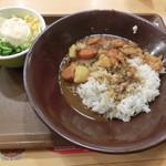 すき家 - サラ旨ポークカレー490円、ポテトサラダ180円