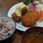 八千代味清 - ホタテ貝柱フライとカニクリームコロッケ盛り合わせ定食