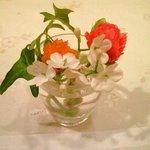 レストラン ル・フィザリス - <'12/1/5撮影>卓上の花です