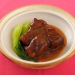 牛バラ肉の煮込み 2切/1,000円 4切/2,000円