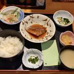 食彩 よしもと - 料理写真:●朝の定食¥580税込 ・今回は「赤魚煮つけ」 ・小鉢三品 ・御飯 ・味噌汁