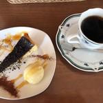 CAFE ATIK - デザートとコーヒー