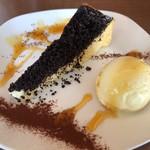 CAFE ATIK - デザート ニューヨークチーズケーキ