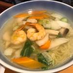 551蓬莱 - 海鮮ラーメン