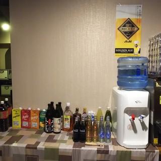 生ビール3種類、クラフトビール、地酒、ワイン、焼酎、洋酒等々