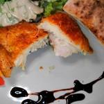チルコロ・イル・ピッコロ・カンポ - 伊達鶏のコンフィ、カット