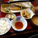 松 - 目アジの唐揚げ定食:1500円