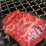 焼肉 皐月 - カルビ焼き焼き