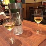 110631282 - アルザスの白ワイン