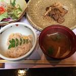 花れんこん - モロコシご飯と味噌汁