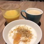 The CRUSTY CRAB - ヨーグルト オレンジジュース コーヒー