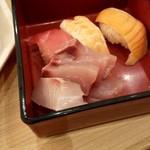 110634568 - 夕食のにぎり寿司とお刺身を少々(笑)
