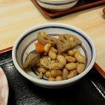 まんじ - 小鉢も丁寧な作り