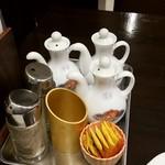 梅蘭 - 卓上の調味料