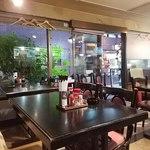 レストラン鳴海 - 店内