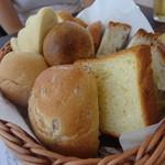 MARINA RESTAURANT TRIM - ランチ パン