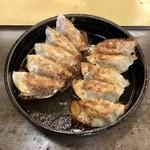 本店 鉄なべ - 料理写真:焼き餃子