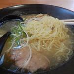 110667038 - 麺アップ~やっぱり釧路の色だね