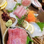 牡蠣・海鮮居酒屋 蔵よし - 刺し身盛り合わせ