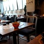 YR CAFE by恵比寿楽園テーブル - 店内