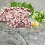 焼き肉 ばりばり亭 - 料理写真:クジラ鹿の子刺身 最高!