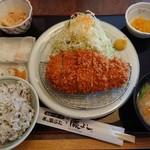とんかつ藤よし - 熟成チーズロースかつ膳1,399円(十穀米大盛・豚汁)