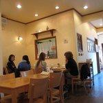 ブーランジェリ・エ・カフェ オブジェ - 店内は主婦率100%