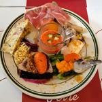 ペルテ - 前菜:ガスパチョ、勝浦産鰹、ウニ等