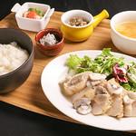 テルミニ - 料理写真:鶏むね肉のソテーランチ