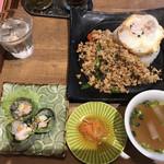 タイ屋台料理&ヌードル オシャ -