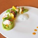 アルピーノ - 料理写真:オマール海老とホタテのサラダ仕立て フランス産グリーンピースのピュレとミントの香り、アルピーノ村の蜂蜜ドレッシングで