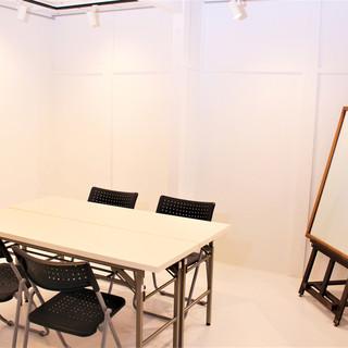 2Fにレンタルスペース有!ワークショップ、作品展、撮影など◎