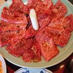 110745707 - ■焼き肉ランチ1.5倍セットの焼き肉をアップで■