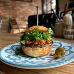 Viva la Burger - 【2019年夏期間限定】レッドカレーバーガー