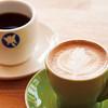 モモンガコーヒー - ドリンク写真:コーヒーは常時14種類以上。カフェラテやカプチーノなどのアレンジコーヒー各種。