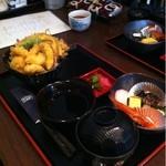 さかなやま - 天丼  900円  天ぷらがいっぱい