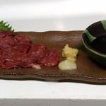 季節料理 鮮 - 料理写真:馬刺し お店で作ったタレで!