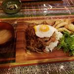 うたげや - オリエンタルライス(オイスター炒め丼)¥800