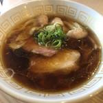 110767745 - 海老ワンタン醤油らぁ麺 1000円
