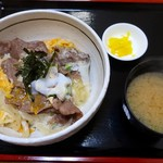 かつ亭 いろは - 料理写真:近江牛玉子とじ丼(850円)