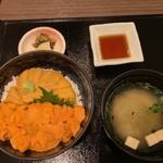 110778336 - 【塩水バフンうにとムラサキうにの食べ比べ丼…6,048円】♫2019/6