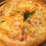 ワイン×チーズ料理専門店 チーズチーズカフェ - おススメチーズのクワトロフォルマッジ