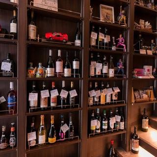 料理に合う約400本のワインコレクション。販売もアリ