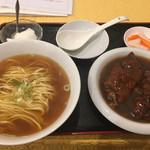 110797143 - 豚足麺