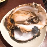 鈴木水産 - 料理写真:岩がき(680円)