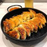 110806402 - 鉄鍋餃子